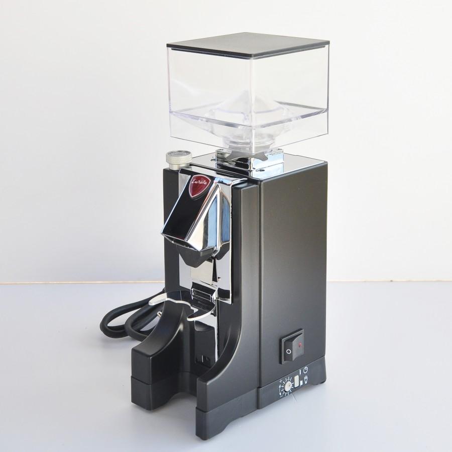 Кафемелачка Еурека - Миньон - Черен Мат от Martines Caffe